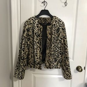 EXPRESS cropped leopard short-hair coat